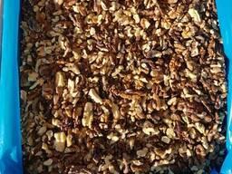 Продам орех грецкий 1\2 бабочка (янтарный) от 20 тонн. Цена
